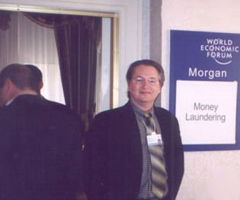 Bruce Sterling learns a new trade -- money laundering